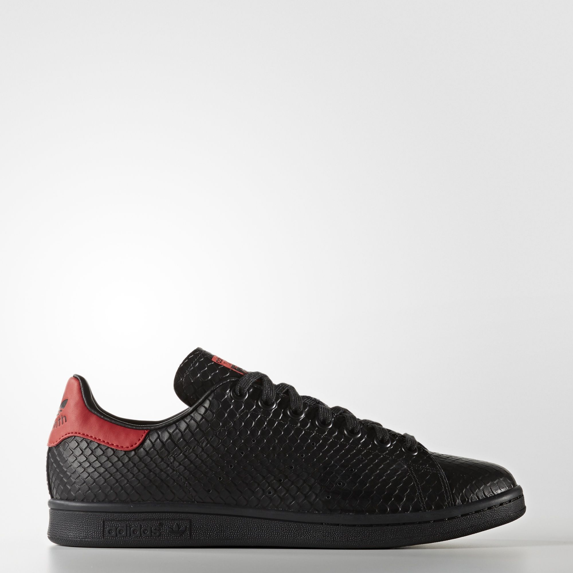 805429df3b Sneakers S80502 Zapatillas Adidas Stan Smith Negro y Rojo Hombre